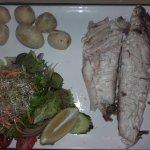 Fisch im Salzmantel auf dem Teller