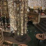 Weihnachtlich dekorierte Lobby