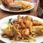Sea Harvest Fish Market & Restaurant