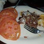 Corned beef hash with tomato