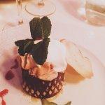 Poire caramélisée, crème pralinée, un plaisir pour les yeux, un délice pour les papilles !