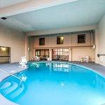 Photo of Econo Lodge & Suites Clarksville