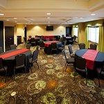 Foto van Holiday Inn Express & Suites Tulsa South/Bixby