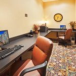 Photo of Staybridge Suites Knoxville Oak Ridge