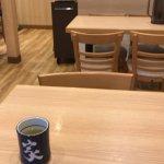 テーブル席は広い