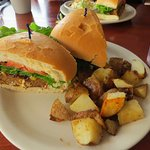 Hot meatloaf sandwich with fried potatoes