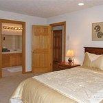 Foto de Mt. Scott Manor Bed and Breakfast
