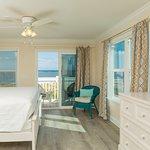Photo de The Saint Augustine Beach House