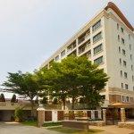 Lasalle Suites & Spa Hotel