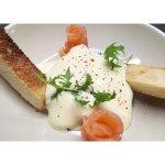 Œuf bio coulant, saumon fumé de chez Barthouil, épinard et hollandaise au syphon !