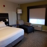 Photo de Holiday Inn Express and Suites Independence