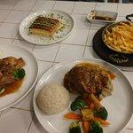 صورة فوتوغرافية لـ مطعم لقمة