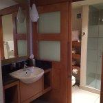 Bathroom set up - nice but small
