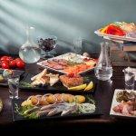 Холодные закуски (тар-тар из лосося, тар-тар из говяжьей вырезки,жульен в шампиньонах)