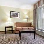 Comfort Suites Clinton resmi