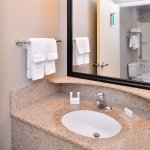 Photo de SpringHill Suites Corona Riverside