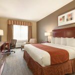 Photo of Country Inn & Suites by Radisson, Tampa East, FL