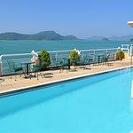 Kantary Bay Hotel. Pool på taket