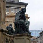 Памятник книгопечатанию, Искусство