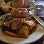 Roast dinner at the Green Dragon - awful