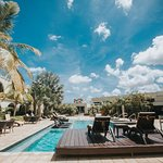 Talk of the Town Hotel & Beach Club Resmi