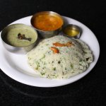 Steamed semolina cakes made with a mix of yoghurt, coriander, cashew nuts. Served with Chutney