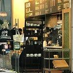 Gorilla in the Cafe의 사진