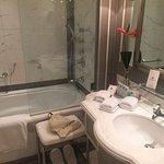 bathroom - good size