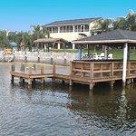 温特黑文罗伊湖海滩酒店