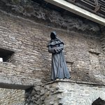 A mysterious faceless monk