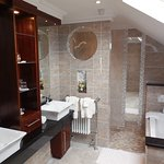 Large ensuite  Bathrooms