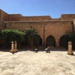 Zdjęcie Deyrulzafaran Monastery
