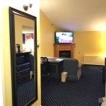 Photo de Fireside Inn & Suites