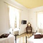 Atena stanza tripla con eltto matrimoniale e un letto singolo