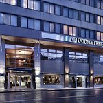 Photo of DoubleTree by Hilton Hotel London - Victoria
