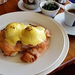 Egg Benedict with Salmon and Spinach