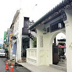 Hotel exterior - centrally located on one of the most famous road in George Town - Chulia Street