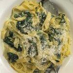 Glutenfreie Tagliatelle spinaci (Gorgonzola, Spinat, Sahnesoße)