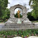 Vienna Stadtpark - Johann Strauss monument