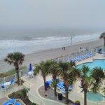 Photo de Sandy Beach Resort