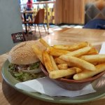 Nandos Auckland Central, burger n chips