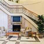 Photo de Days Inn & Suites Collingwood
