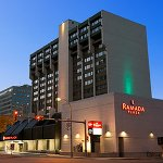 Photo de Ramada Plaza Regina Downtown