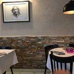Restaurant très chaleureux et très bien décoré, cuisine familiale de qualité, gourmande et génér