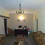 Photo de Hotel Guest Inn Suites, Castle