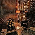 Lounge, descansa y disfruta de un buen vino en Bogota!