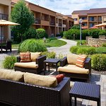 Photo of Courtyard Chicago Oakbrook Terrace
