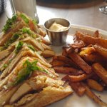 Clubhouse & seasoned Fries