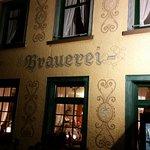Abendliche Ansicht des Brauerei-Gasthofes