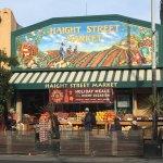 Photo de Haight Street Market